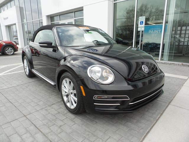 Certified Pre-Owned 2017 Volkswagen Beetle Convertible 1.8T SE